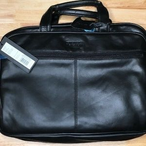 Kenneth Cole Reaction Manhattan Leather Laptop bag